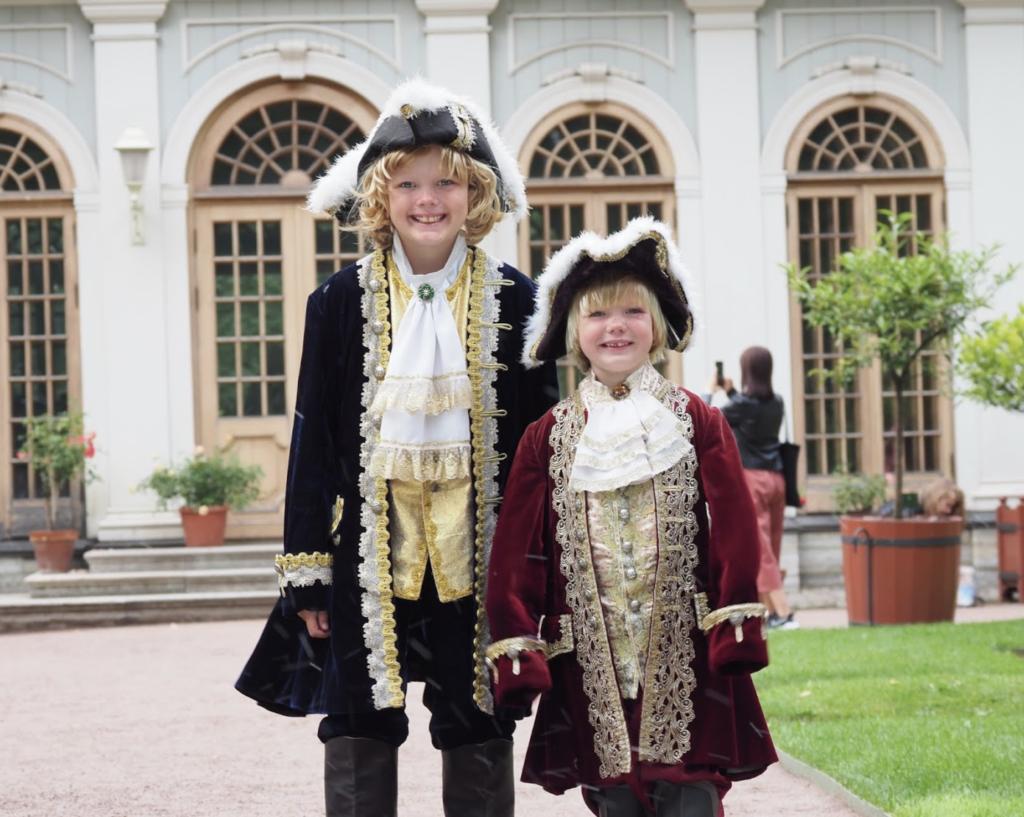 Kostyme-gøy, regn og tsar-egg i St Petersburg